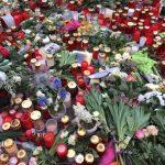 Ein Blumen- und Kerzenmeer der Anteilnahme am Breitscheidplatz